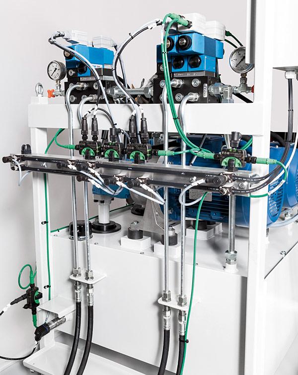 Dzięki wprowadzeniu modułów We/Wy  SmartWire-DT IP67  oraz rozszerzeniu  dostępności  rozwiązania  SmartWire-DT poza  panel sterowania,  instalacja czujników i siłowników do  monitorowania  pionowego ruchu  cylindrów oraz  temperatury i ciśnienia systemu pomp jest  prosta, szybk