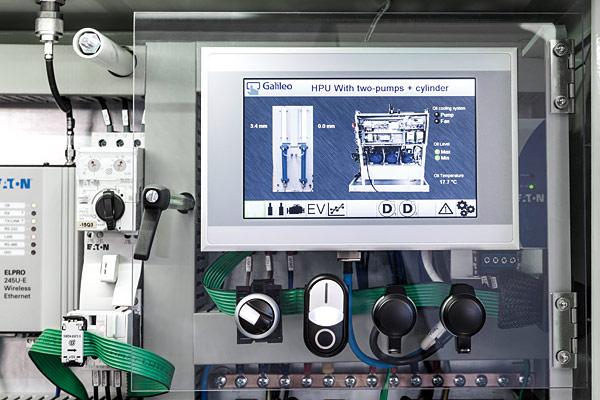 Dzięki wprowadzeniu modułów We/Wy  SmartWire-DT IP67  oraz rozszerzeniu  dostępności  rozwiązania  SmartWire-DT poza  panel sterowania,  instalacja czujników i siłowników do  monitorowania  pionowego ruchu  cylindrów oraz  temperatury i ciśnienia systemu pomp jest  prosta, szybka
