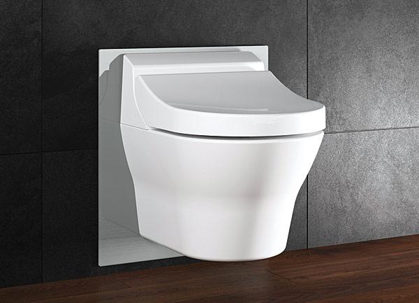 Dzięki eleganckiej szklanej płytce stelaż Viega Eco Plus wtapia się harmonijnie w aranżację łazienki